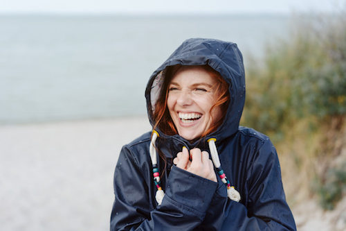 A woman getting outside to exercise and lower her risk for Covid-19