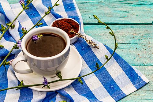 reducecaffeinewithchicorycoffee